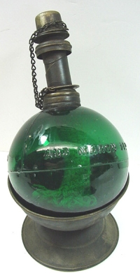 Green jeweler's lamp